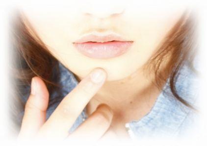 ワセリンを唇に塗ると副作用があるという声も!今注目されている万能薬の盲点と正しい使い方