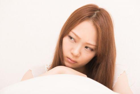 下心のある男性の視線に敏感すぎる?どうすればトラウマのような気持ちから抜け出せるのか