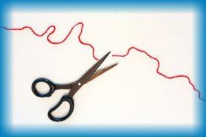 はさみと赤い糸